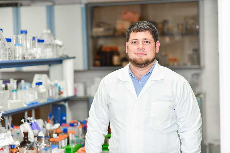 заведующий лабораторией «Биомедицинские наноматериалы» НИТУ «МИСиС» Максим Абакумов